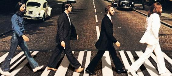 """Beatles: la città di Liverpool celebra i 50 anni di """"Sgt Pepper's"""