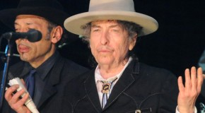 "Bob Dylan omaggia Tom Petty con una cover di ""Learning to Fly"""