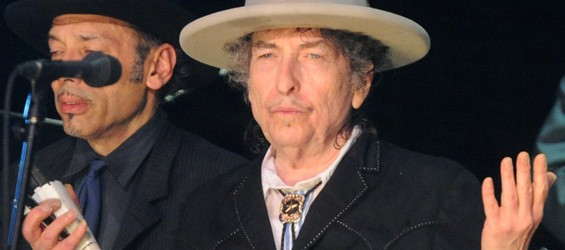 """Bob Dylan omaggia Tom Petty con una cover di """"Learning to Fly"""""""