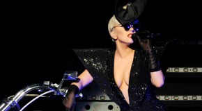 Lady Gaga regala un inedito per Natale