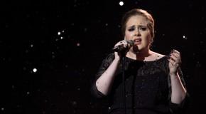"""Il nuovo album di Adele è """"25"""" ed esce il 25 novembre"""