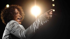 Whitney torna nelle classifiche