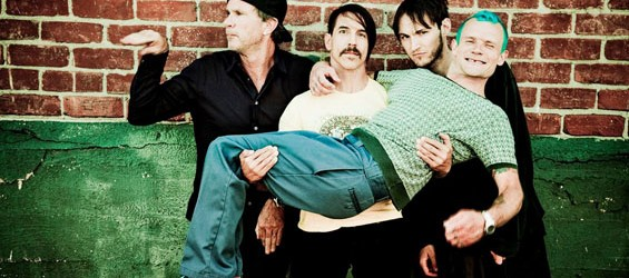 Red Hot Chili Peppers: 18 nuovi singoli in sei mesi
