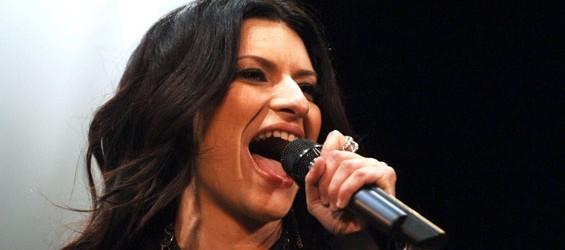 """""""Se non te"""": ascolta il nuovo singolo di Laura Pausini"""