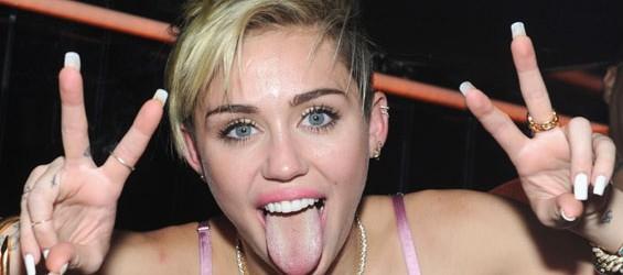 Miley Cyrus pubblica un nuovo album a sorpresa… ed è gratuito