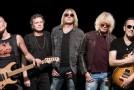 """Nuova frontiera per i video: ora i clip si lanciano con """"Guitar Hero""""… come han fatto i Def Leppard!"""