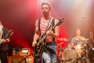A due anni dal Bataclan, gli Eagles Of Death Metal tornano per un concerto a sorpresa