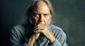 """Neil Young sui tour di addio: """"Ma che stronzata è!?!?"""""""