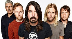 Foo Fighters alla brillantina con doppia sorpresa