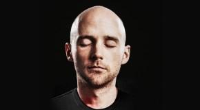 """""""Sii paziente con te stesso"""": Moby e la meditazione"""