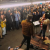 Alanis Morissette: sorpresa natalizia nella metro